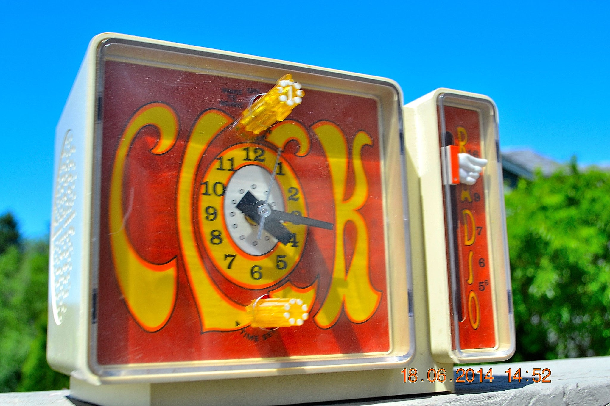 SOLD! - Aug 15, 2014 - GROOVY Retro Solid State 1970's General Electric C3300A AM Clock Radio Alarm Works! - [product_type} - General Electric - Retro Radio Farm