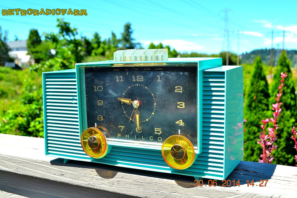 SOLD! - July 8, 2014 - AQUAMARINE Vintage Atomic Age 1959 Philco G755-124 Tube AM Radio Clock Alarm Works! , Vintage Radio - Philco, Retro Radio Farm  - 1