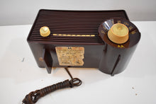 Load image into Gallery viewer, Monza Brown Dragster 1957-58 Motorola Model 5T22W Vacuum Tube AM Radio Top 10 Cute List!