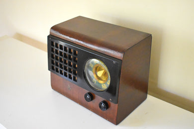 Post War Original Wood Cabinet 1946 Emerson Model 510 AM Vacuum Tube Radio Sounds Marvelous!