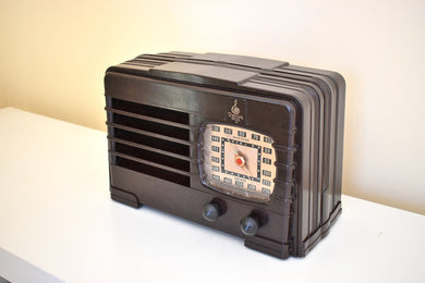 Deco Brown Bakelite 1941 Emerson Model DW-330B AM Tube Radio Sounds Marvelous Excellent Plus Condition!