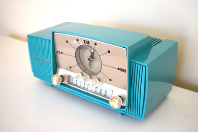 Aquamarine Turquoise Mid Century 1959 General Electric Model 913D Vacuum Tube AM Clock Radio Beauty Sounds Fantastic!