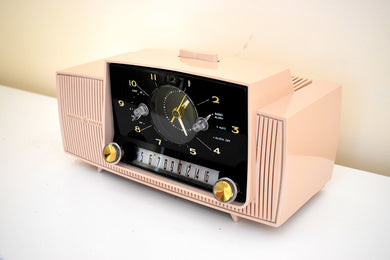 Beige Pink Mid Century 1958 General Electric Model 913D Vacuum Tube AM Clock Radio Beauty Sounds Fantastic!