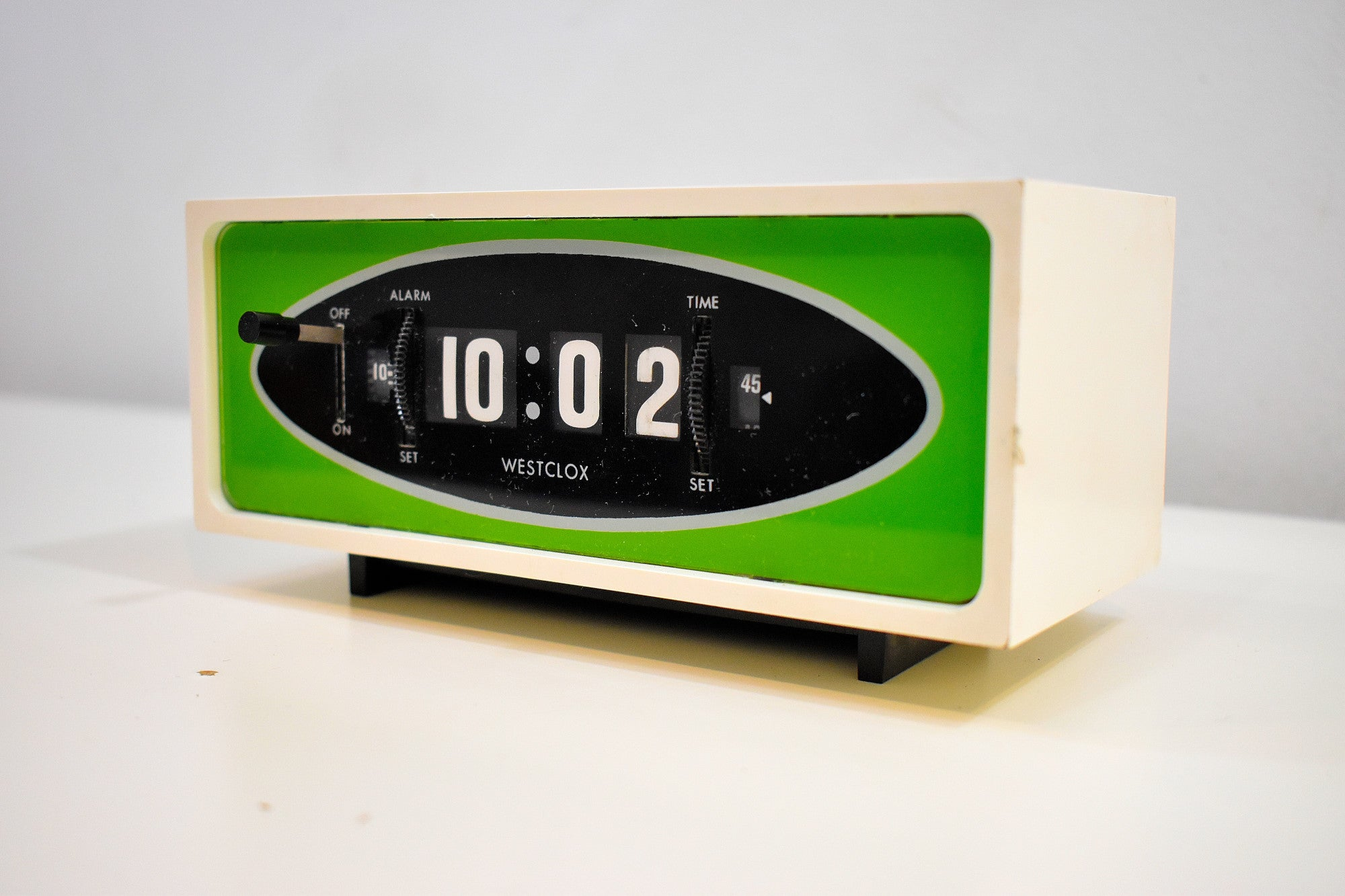 Grasshopper Green 1970s Westclox Model S-38A Flip Roller Clock Works Great Looks Fantastic