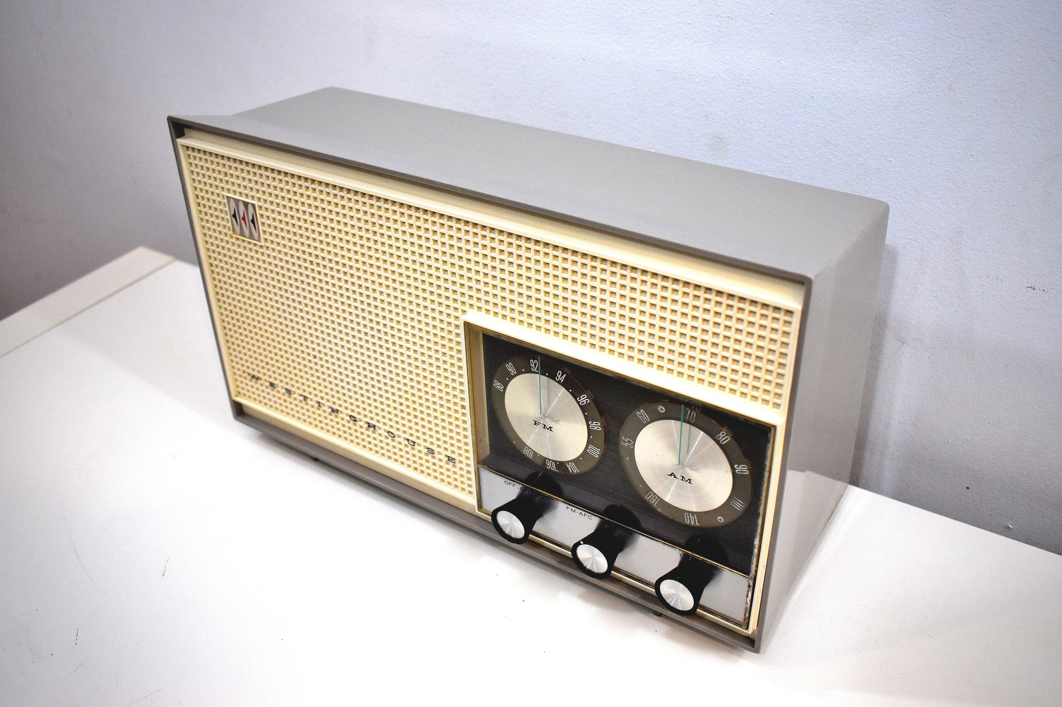 Dove Gray and White 1961 Westinghouse Model H-761N7B AM/FM Vacuum Tube Radio Beauty and Tone Blaster!