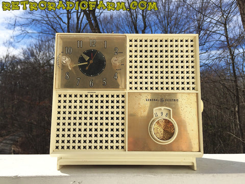 SOLD! - Feb 14, 2017 - BLUETOOTH MP3 READY - MID CENTURY MIRACLE! 1950s GE General Electric Model C-485A AM Ivory Tube Radio Alarm Clock Works!!