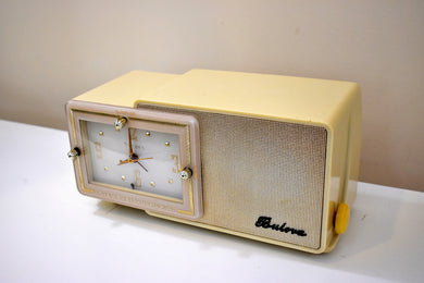 Plaza Ivory and Gold Mid Century Retro Jetsons 1959 Bulova Model 100 Tube AM Clock Radio Excellent Condition!