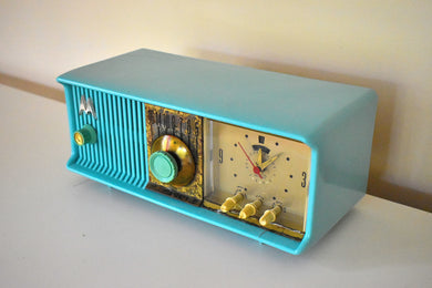 Aquamarine Turquoise 1957 Motorola Model 56CC Vacuum Tube AM Clock Radio Very Good Condition Sounds Great!