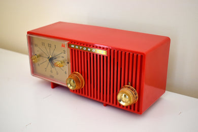 Cardinal Red 1956 Motorola 56CS3A Vacuum Tube AM Clock Retro Radio Magnificent Color Condition and Sound!
