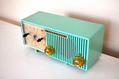 Beautiful Sea Green Retro 1956 Motorola Model 56CS4A Vacuum Tube AM Clock Radio Rare Excellent Condition Sounds Great!