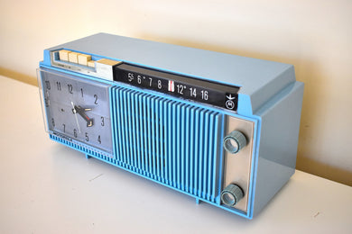 Tuxedo Blue 1963 Motorola Model C12B Vacuum Tube AM Clock Radio Looks and Sounds Fabulous Excellent Condition!