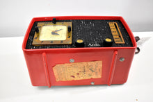 Load image into Gallery viewer, Coral Cutie 1953 Arvin 758T AM Vacuum Tube Radio Rare Model Totally Restored and Sounds Great!