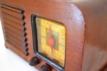 Load image into Gallery viewer, Wood Pre War Vintage 1940 Philco Model 40-120 AM Shortwave Vacuum Tube Radio Early Portable Excellent Condition and Great Sounding!