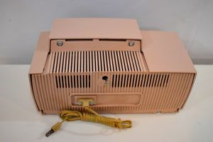 Pastel Pink 1957 General Electric Model 913D Vacuum Tube AM Clock Radio Real Looker Near Mint Condition!