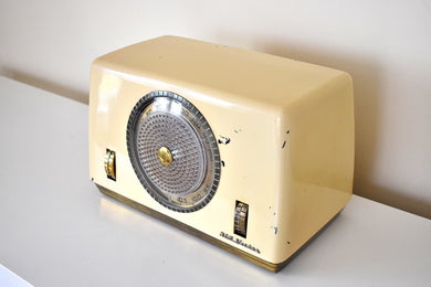 Ivory Bakelite 1948 RCA Victor Model 8X682 Vacuum Tube AM Shortwave Radio Loud Clear Solid Built!