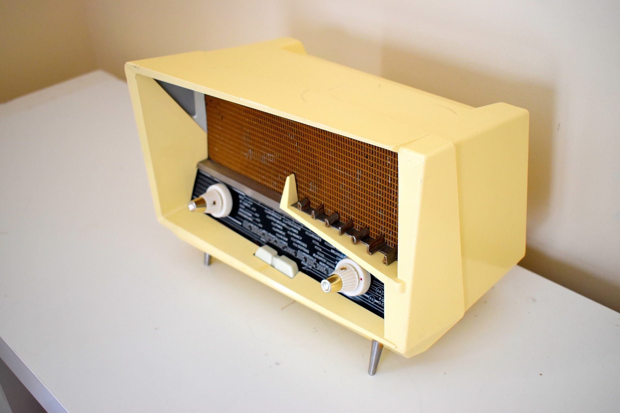 Renown Architect Le Corbusier Designed 1958 Radiola Model 248-A Bakelite AM Shortwave Vacuum Tube Radio Works Great Superlative Design!