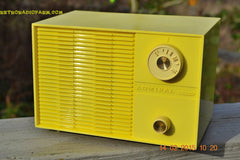 SUNNY BUTTER YELLOW Mid Century Retro Jetsons Vintage 1959 Emerson Model Y2996 Tube Radio Totally Restored! , Vintage Radio - Emerson, Retro Radio Farm  - 1