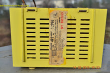 Load image into Gallery viewer, SUNNY BUTTER YELLOW Mid Century Retro Jetsons Vintage 1959 Emerson Model Y2996 Tube Radio Totally Restored! , Vintage Radio - Emerson, Retro Radio Farm  - 8