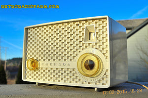 SOLD! - June 15, 2015 - RARE FM ONLY VANILLA WHITE Retro Vintage 1958 Emerson Model 930 Tube Radio WORKS! , Vintage Radio - Emerson, Retro Radio Farm  - 6