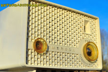 Load image into Gallery viewer, SOLD! - June 15, 2015 - RARE FM ONLY VANILLA WHITE Retro Vintage 1958 Emerson Model 930 Tube Radio WORKS! , Vintage Radio - Emerson, Retro Radio Farm  - 4