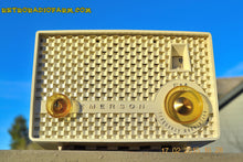 Load image into Gallery viewer, SOLD! - June 15, 2015 - RARE FM ONLY VANILLA WHITE Retro Vintage 1958 Emerson Model 930 Tube Radio WORKS! , Vintage Radio - Emerson, Retro Radio Farm  - 5