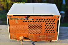 Load image into Gallery viewer, SOLD! - June 15, 2015 - RARE FM ONLY VANILLA WHITE Retro Vintage 1958 Emerson Model 930 Tube Radio WORKS! , Vintage Radio - Emerson, Retro Radio Farm  - 9