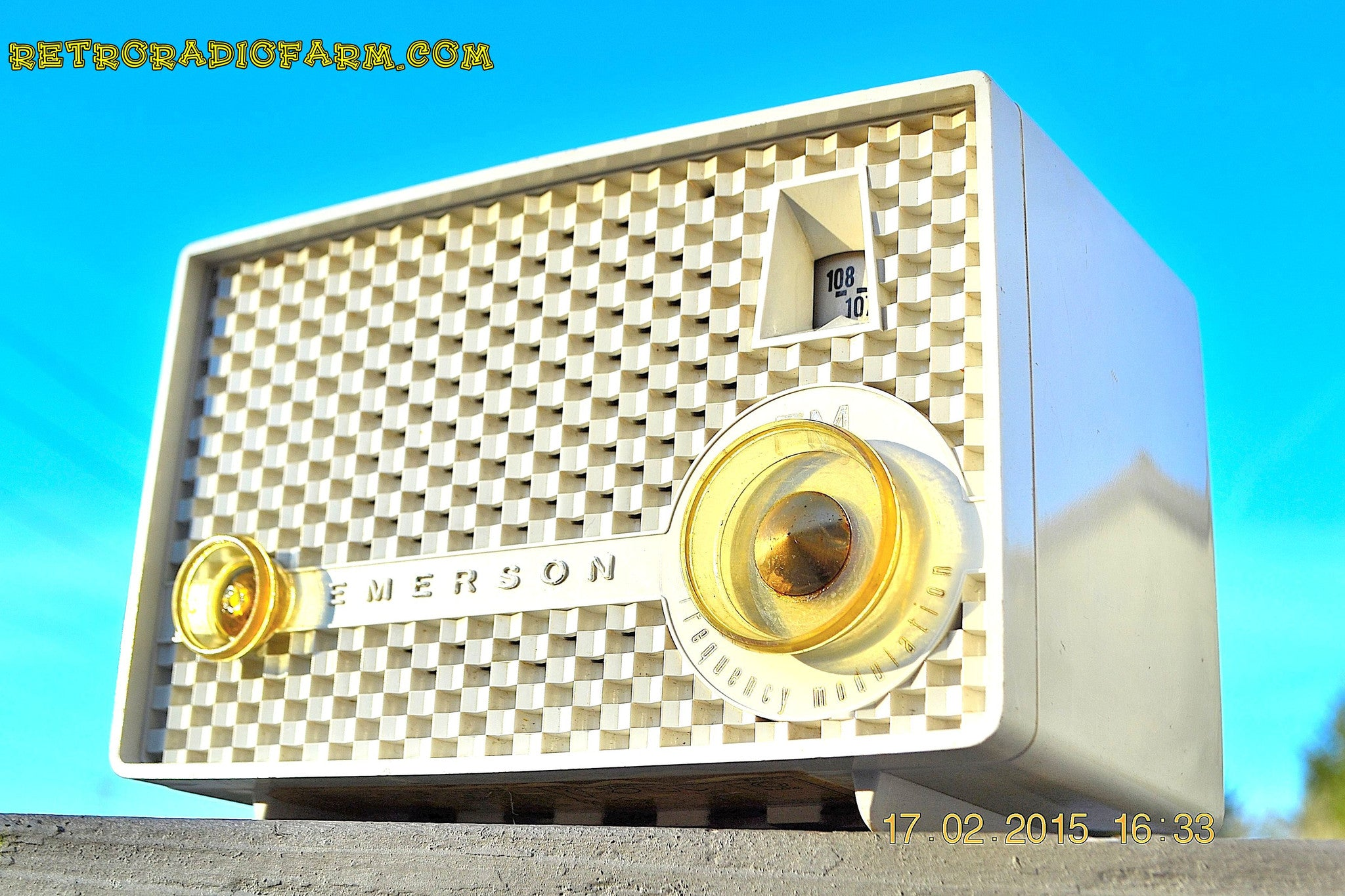 SOLD! - June 15, 2015 - RARE FM ONLY VANILLA WHITE Retro Vintage 1958 Emerson Model 930 Tube Radio WORKS! , Vintage Radio - Emerson, Retro Radio Farm  - 1