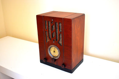 Wood Tombstone 1936 Sentinel Model Unknown AM Shortwave Vacuum Tube Radio Excellent Condition!