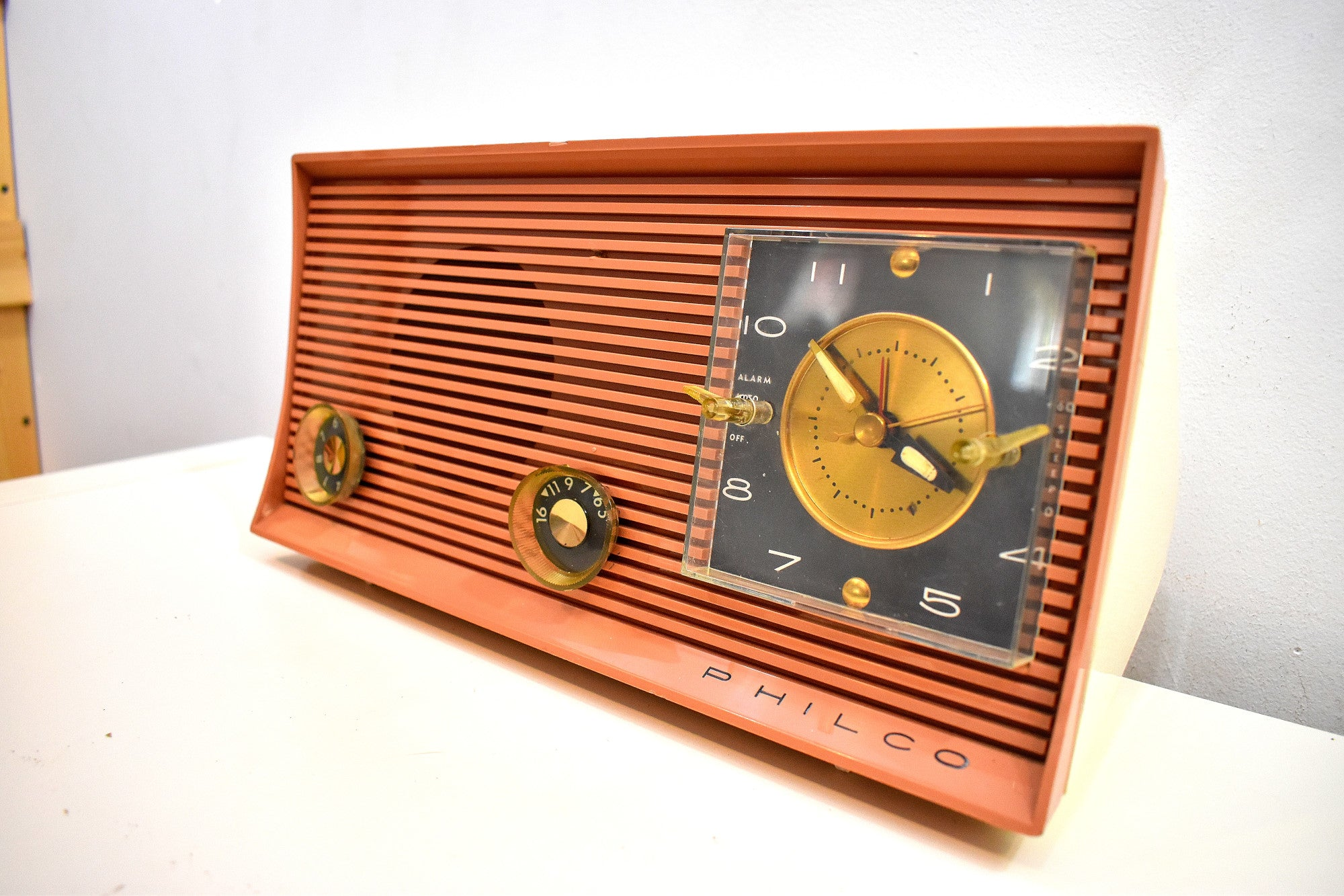 Bluetooth Ready To Go - Pink Clay Tan and White 1959 Philco Model J773-124 AM Vacuum Tube Radio Sounds and Looks Great!