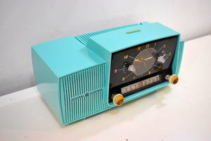 Ocean Turquoise 1957 General Electric Model 914-D Tube AM Clock Radio Sounds Great Popular Design