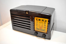 Load image into Gallery viewer, Umber Brown Bakelite 1940 Emerson Model 333 AM Tube Radio Sounds Marvelous! Awesome Condition!