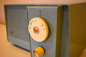 Sage Songster Vintage 1957 Westinghouse H-744T4 AM Vacuum Tube Radio Nice Sounding Unique Design!