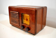 Load image into Gallery viewer, Bluetooth Ready To Go - Wood Vintage 1940s Homestead Model Unknown AM Vacuum Tube Radio Nice Little Woody