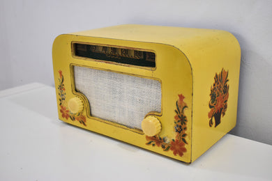 Yellow Country Cottage 1940 Motorola 55x15 Tube AM Radio Original Factory Quaint Design Sounds Great!