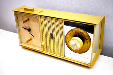 Dijon Gold and Ivory 1963 Motorola Model C35S Vacuum Tube AM Clock Radio Excellent Condition!