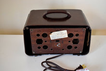 Load image into Gallery viewer, Mocha Brown 1942 Zenith Model 6-D-612 AM Vacuum Tube Radio Beauty of Bakelite!