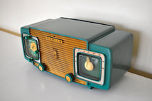 Load image into Gallery viewer, Gumby Green 1952 Zenith Model K622 AM Vintage Vacuum Tube Radio Gorgeous Looking Restoration