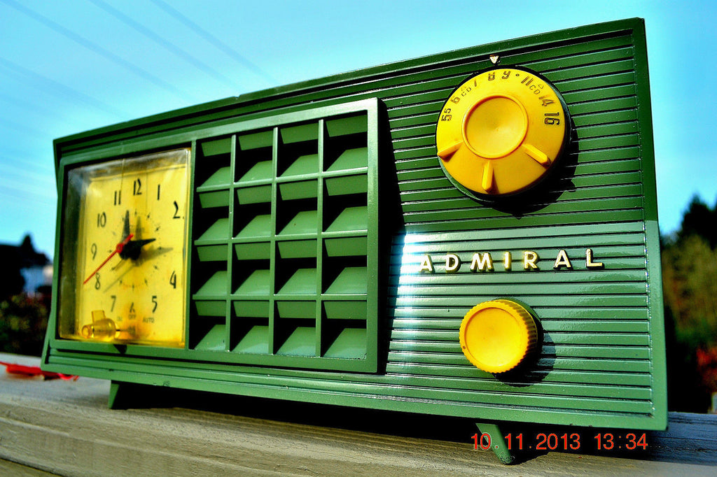 SOLD! - March 8, 2014 - GUMBY GREEN Vintage Atomic Age 1955 Admiral 5S38 Tube AM Radio Clock Alarm Works! , Vintage Radio - Admiral, Retro Radio Farm  - 1