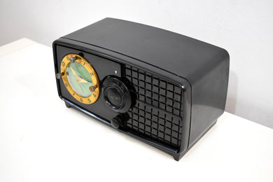 Carbon Black Bakelite Post War 1952 Esquire BF Goodrich Model 550U AM Tube Clock Radio Works Great Rare Manufacturer!