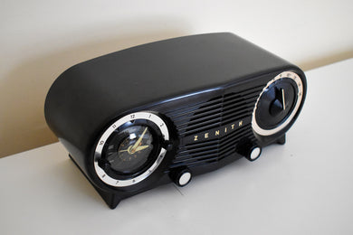 Owl Eyes Black and Silver Vintage 1953 Zenith 5L03 AM Tube Clock Radio Mid Century Charmer!