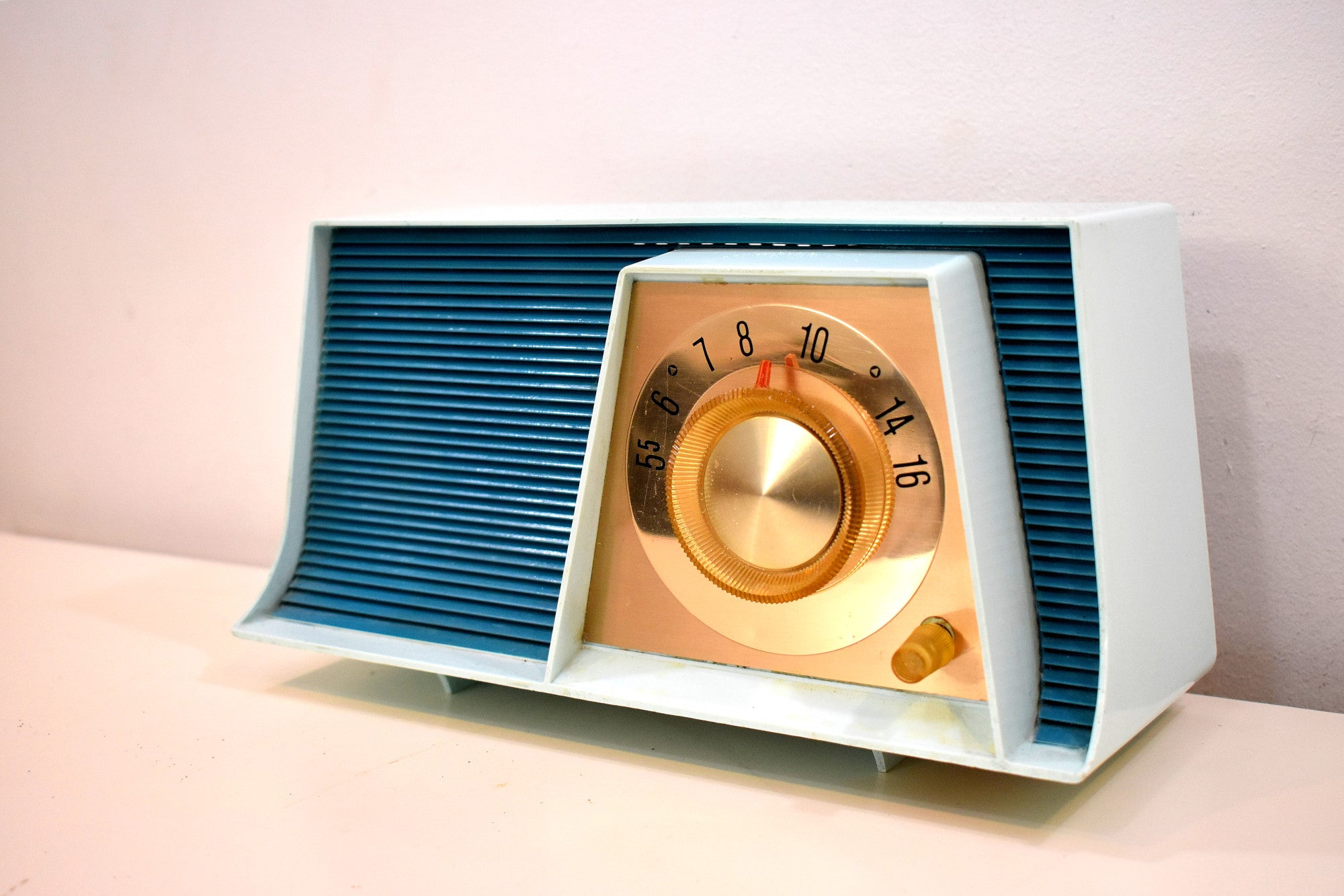 Blue Bayou Mid Century Retro 1962 Motorola A17B3 Vacuum Tube AM Radio Cool Model Rare Color!