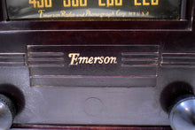 Load image into Gallery viewer, Robusto Brown Bakelite 1941 Emerson Model 330 AM Tube Radio Sounds Marvelous!