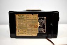Load image into Gallery viewer, Arabica Brown Vintage 1949 RCA Victor Model 8X541 AM Vacuum Tube Radio Popular Model In Its Day and Today!