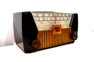 Sierra Brown 1952 Motorola Model 62X21 Vacuum Tube AM Shortwave Radio High Quality Construction!