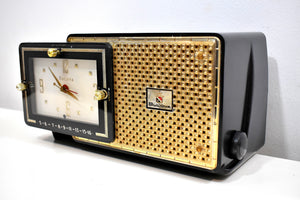 Anthracite 1957 Bulova Model 120 Vacuum Tube AM Clock Radio Excellent Condition! Sounds Great!