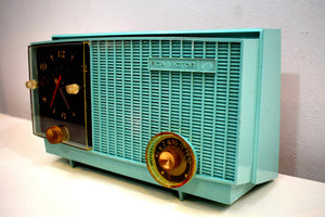 Sea Foam Green 1957 Vintage RCA Victor 3RD-35 Vacuum Tube AM Clock Radio Works Great Looks Great!