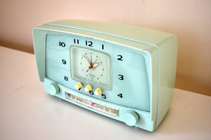 Sea Mist Green 1955 Westinghouse Model H549T5 Vintage Tube AM Clock Radio Cutie and Sounds Dreamy!