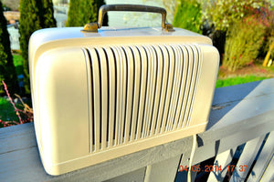 SOLD! - April 7, 2014 - BEAUTIFUL Post War Industrial Bakelite 1947 Silvertone 6012 Tube Radio Works! - [product_type} - Silvertone - Retro Radio Farm