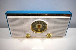 Teal Turquoise 1959 Sylvania Model 1303 Vacuum Tube AM Radio Rare Atomic Age Splendor!