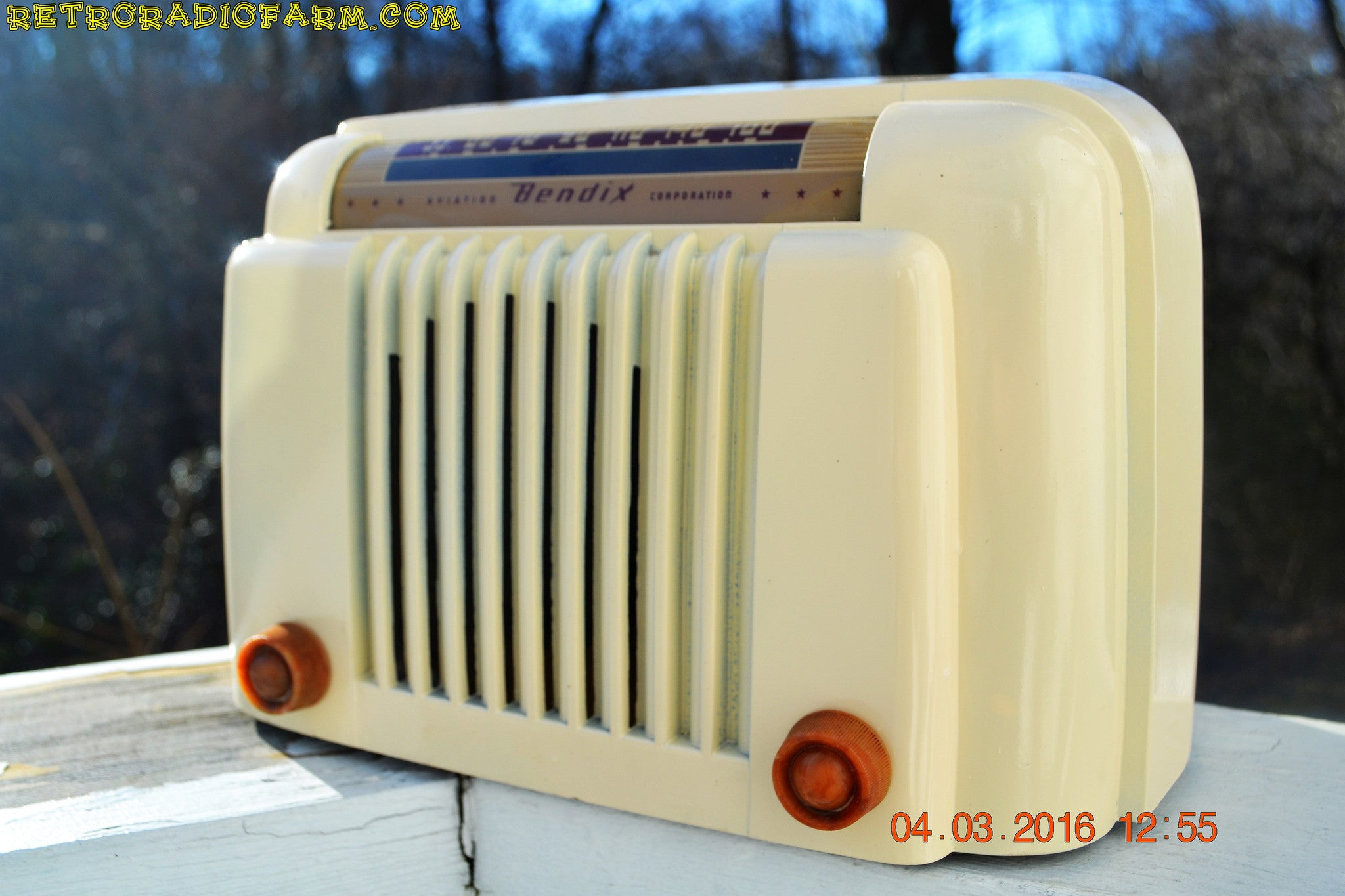 SOLD! - Apr 15, 2016 - CLASSIC 1947 Ivory Bendix Aviation Model 526A Bakelite AM Tube AM Radio Totally Restored! , Vintage Radio - Bendix Aviation, Retro Radio Farm  - 1